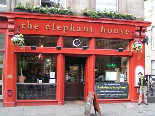 Elephant-House-Cafe-The-Birthplace-of-Harry-Potter
