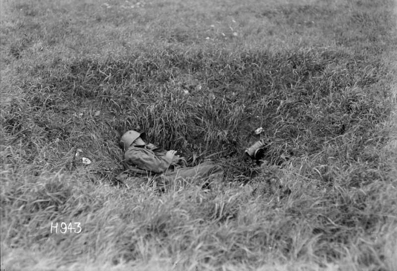 Dead German soldier WWI natlib-govt-nz:records:22791416