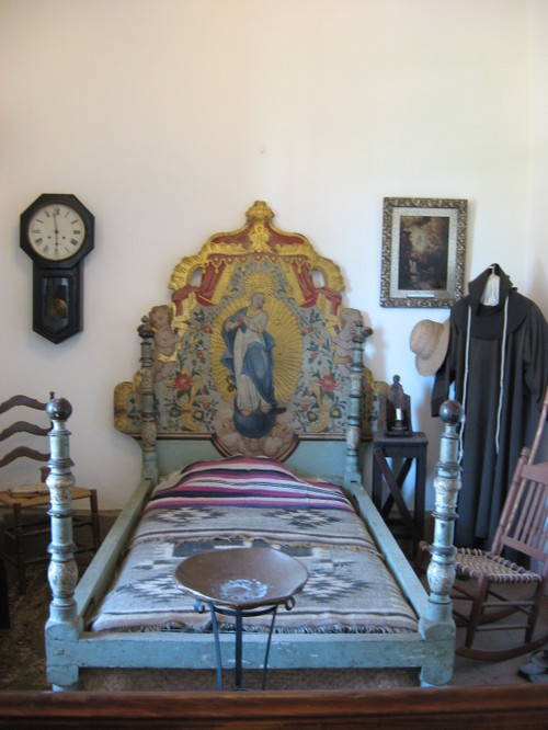Stunning Mission San Gabriel, early California bedroom 500 x 666 · 87 kB · jpeg