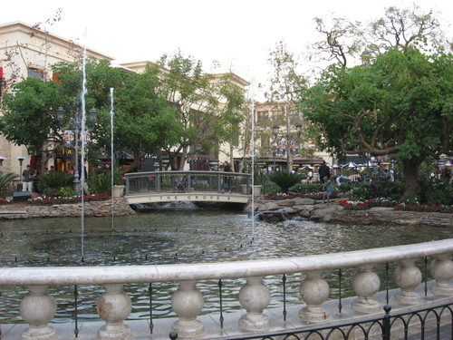 The Grove shopping mall, Los Angeles