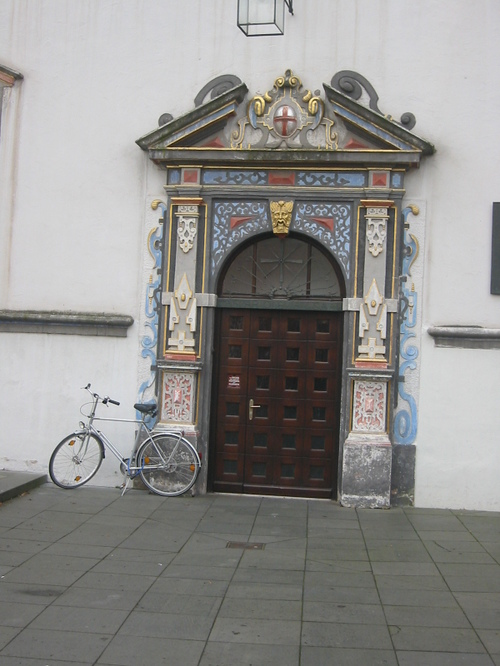 Trier, doorway and bicycle near the Red Tower