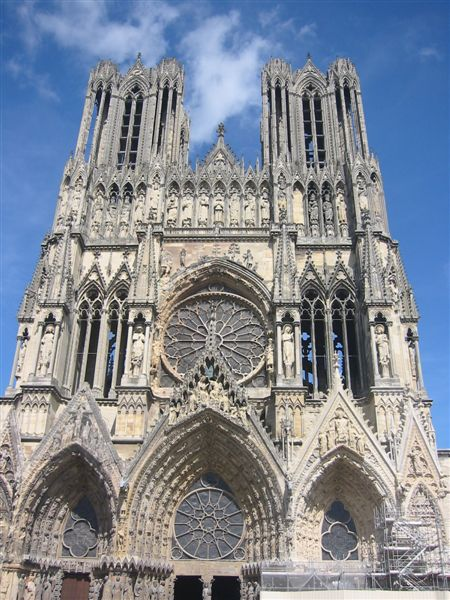 Rheims Cathedral façade closeup, 26 August 2005