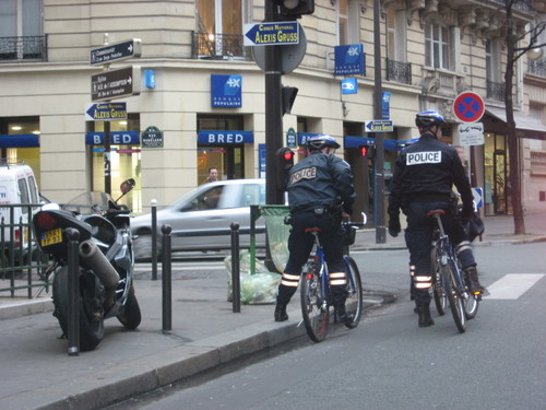 Bicycle cops, avenue Mozart