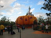 Main_street_pumpkin_at_disney_281004_1