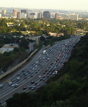 Crop_ten_lanes_of_traffic_los_angeles_by_1